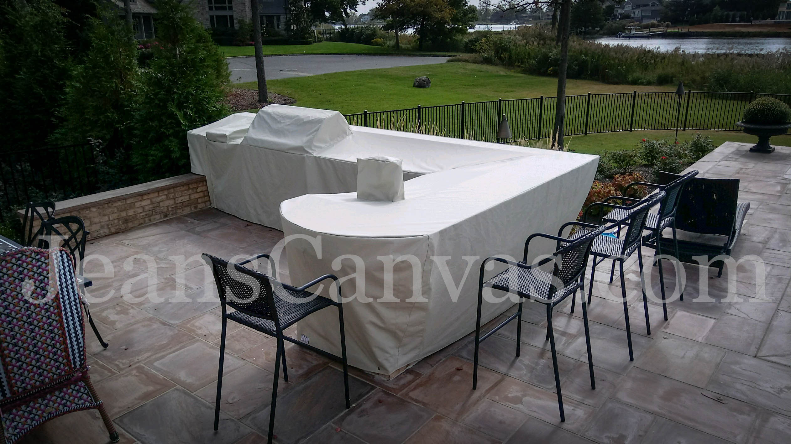 custom outdoor kitchen covers 203
