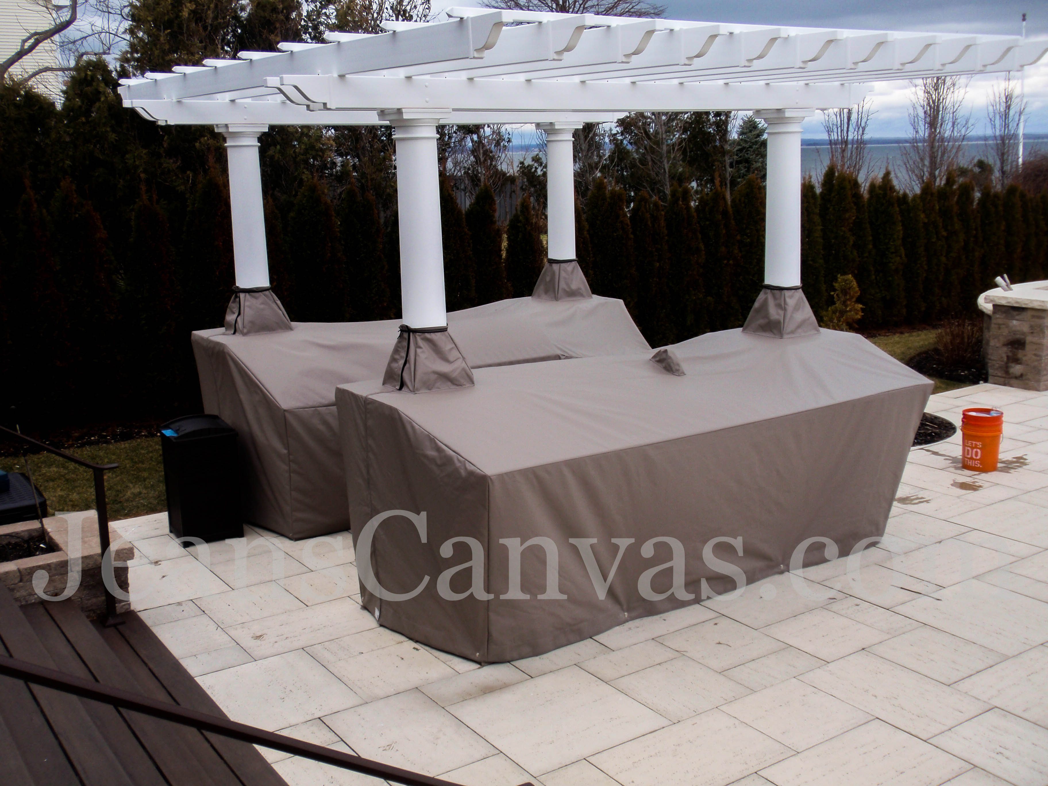 custom outdoor kitchen covers 240